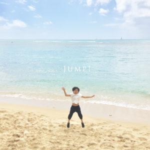 ハワイの海にて、写真撮影。ジャンプ!