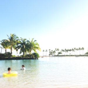 ハワイの海にてフォト。水遊び。